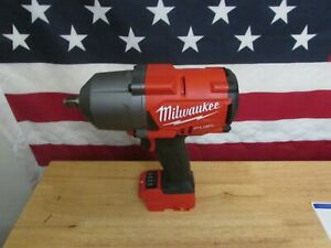 """Milwaukee 2767-20 M18 FUEL 1/2"""" High Torque Impact Wrench with Friction Ring 565"""