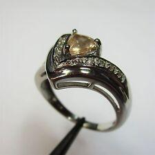 1298 - Eleganter Ring mit Sonnen-Amethyst und weißer Topas aus 925 Silber - 2175
