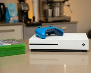 xbox one s 1tb With Controller And Games