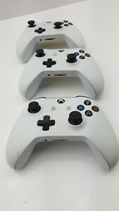 JOBLOT OF FAULTY WHITE XBOX ONE CONTROLLERS  X3 - UK SELLER