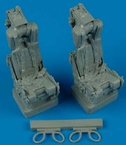 QUICKBOOST 1/32 F4 Ejection Seats w/Safety Belts QUB32069-NEW