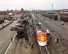 Photograph of a Santa Fe Streamliner Train Super Chief- New Mexico 1943  8x10