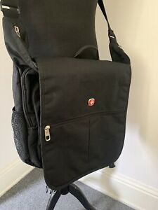 """Wenger 15"""" Padded Laptop Tablet iPad Messenger Bag In Great Condition!"""