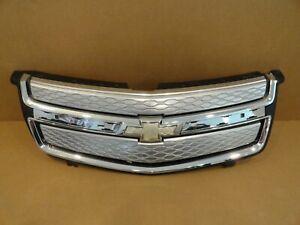 2011 - 2015 Chevrolet Volt OEM Complete Upper Bumper Grille w/ Emblem # 22865818