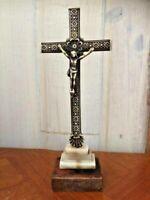 Christ crucifix ancien / marbre bois et laiton