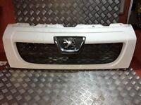 Peugeot Boxer 2008 Upper grill 1306599070 MAU3356
