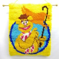Fozzy Fozzie Bear Muppets Vintage Wall Hanging Handmade Latch Hook Rug Yarn Art