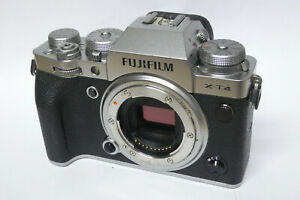 Fujifilm X-T4 Gehäuse / Body  defekt Wasserschaden XT4