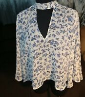 LUCKY BRAND WOMANS SIZE SMALL FLORAL /peasant BOHO TOP