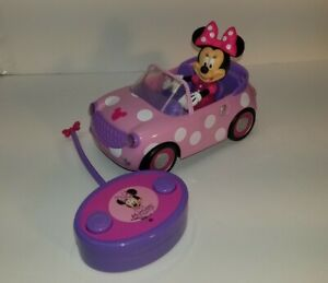 Disney Junior Minnie Mouse Roadster RC Car with Polka Dots 27 MHz Pink jada