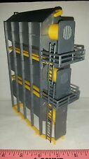 1/64 ertl farm toy standi yellow & silver triple stack grain dryer all plastic
