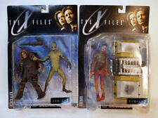 1998 McFarlane Toys The X-Files Attack Alien and Fireman AF MOC
