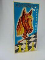 1974 Chessmen Staunton Design 7411 folding board beautiful box Horse Hong Kong