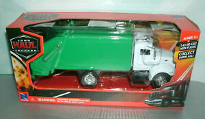 1/43 Scale Peterbilt 335 Garbage Trash Truck Diecast Model - New Ray 15533