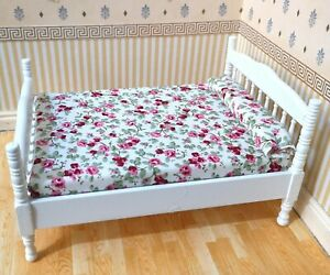 1/12th Scale Dolls House White Wooden Double Bed.