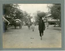 Inde, Vue de la place du marché et fontaine, ca.1910, vintage silver print Vinta