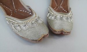 D-107 punjabi jutti  Womens Indian Traditional Khussa Shoes Mojari ethnic shoes