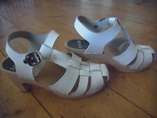 BNWOT FUNKIS SHOES/SANDALS.SZ:41 (10) MADE IN SWEDEN. WHITE, STRAPPY
