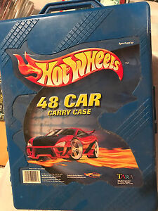 Hot wheels 48 car carrying case +51 assorted cars vintage