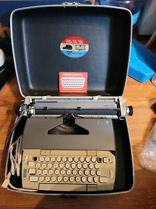 Vintage Smith Corona Poweriter Electric Portable Typewriter.