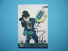 2007/08 VANCOUVER CANUCKS TEAM ISSUED NHL HOCKEY PHOTO FIN MASCOT AUTO AUTOGRAPH