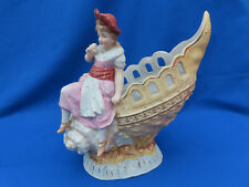Ancien biscuit polychrome fille coquillage shell
