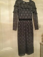 TOPSHOP, Stunning New  Ladies Lace Knee Dress, size 8