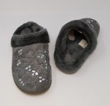 Gray Faux Fur Slippers 7-8 M New With Flower and Gem Design