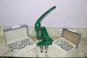 Hand Press Machine Fabric Cover Button With 2 Dies and Free Buttons