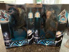 "Aliens vs Predator - 12"" Scar Predator & Grid Alien- Mcfarlane Toys - 2006"