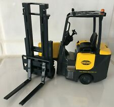 Aisle Master forklift truck fork lift Mint in Box VERY RARE  1/25