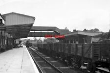 PHOTO  HAVERFORDWEST RAILWAY STATION IN 1954