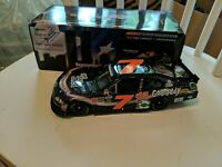 1/24 DANICA PATRICK #7 GODADDY HONORING OUR HEROES ROOKIE  2011 ACTION NASCAR