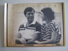Vtg Wire Press Photo TWA 847 Hijacking 7/85 Reunited Allyn Conwell & Wife Olga