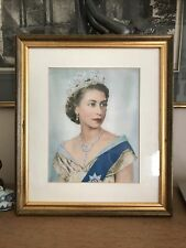 More details for picture of the queen elizabeth ii in gold gilt decorative frame