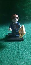 Lego Minifigure Series 14: Zombie Businessman - missing briefcase