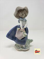 PRETTY PICKINGS LLADRÓ Lladro Pretty Pickens Flower Girl Figurine #01005222