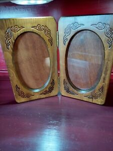 Double hinged vintage Wood Oval Picture Frame  retro movie prop 1970's 1980's