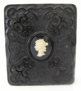 1840`S 1/9th PLATE GUTTA PERCHA YOUNG WOMAN-BEAUTIFUL CAMEO UNUSUAL DESIGN CASE
