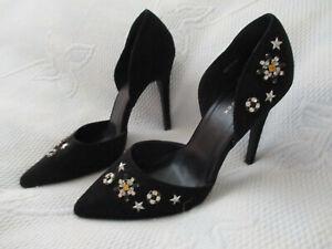 NEW LOOK black suede diamante decorations court shoe U.K. 7 (EUR40)