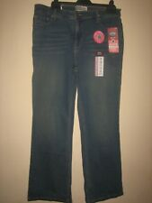 PP45) ( NEW WITH TAGS ) WOMENS SIGNATURE MID RISE LEVIS BOOTCUT SIZE 14 LEG