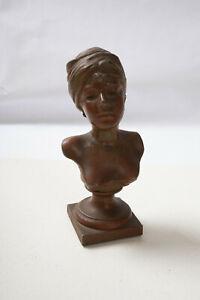 Villams or Villains Small Diecast Metal Bust Woman (O5R) Figural Statue