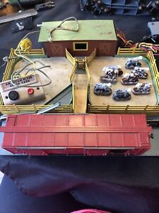 American flyer #771 Stockyard w/ 736 cattle car with controller