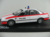 """IXO #117 Opel Omega B Limousine (1994) """"Schweizer Polizei"""" 1:43 NEU/PC-Vitrine"""