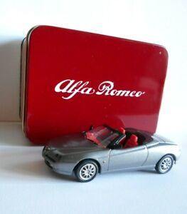 Alfa Romeo Spider (1995)  4655 203074 -  Solido 1:43