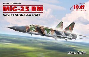 ICM 48905 Soviet Strike Aircraft MiG-25RBM in 1:48