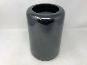 Mac Pro Late 2013 MD878LL/A 3.5GHz 6-Core Xeon E5 16GB 256GB Very Good Condition