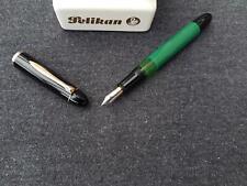 "Pelikan 120 ""F"" Kolbenfüller Füllhalter schwarz-grün Top Sammlerobjekt Vintage"