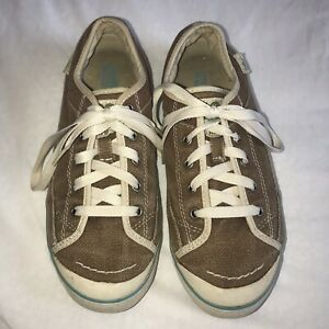 Simple Tan Canvas Casual Sneaker Comfort Shoes Women's Lace Up Size 8.5 US