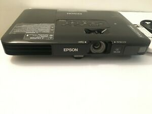 Projector Epson PowerLite 1781W WXGA  3LCD Wifi is ready Powerful